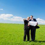 Jak rozparcelovat pozemek? Přečtěte si, co vše potřebujete vyřídit při dělení pozemku.